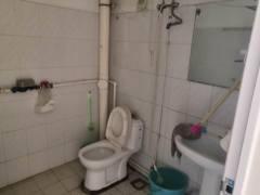 (城中)北门组团2室1厅1卫95m²中档装修一楼1100/月