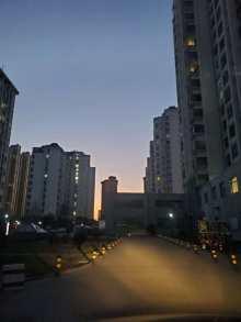 (城东)世纪鸿基2室2厅1卫106m²精装修82万