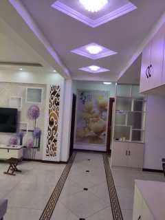 海天辰韵3室2厅1卫130m²精装修2300/月