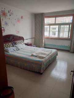 天虹花园3室2厅1卫100m²精装修1300/月