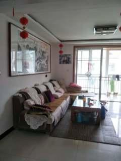 齐润花园3室2厅2卫137.3m²精装修带车库125万
