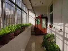 益王府小区3室145平二楼,带车库102
