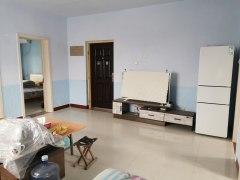 东阳城小区精装4楼两居室带储藏室月租1600可洗澡做饭!