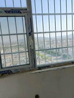东方御园13楼复式毛坯,276平220万可按揭两个车位