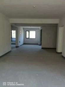 华邦旭馨园五楼127.5平带车位储藏室100万