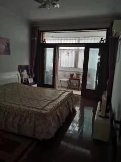 南燕都小区一楼146平带车库130万出售