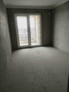 天泰滟澜公馆13楼3室143平,带储藏室,105万