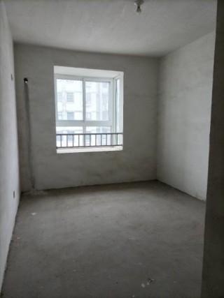 急售!御景隆城15楼149平4居室带车位 仅售118万